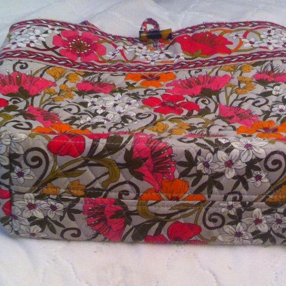 55 Off Vera Bradley Handbags Sold Tea Garden
