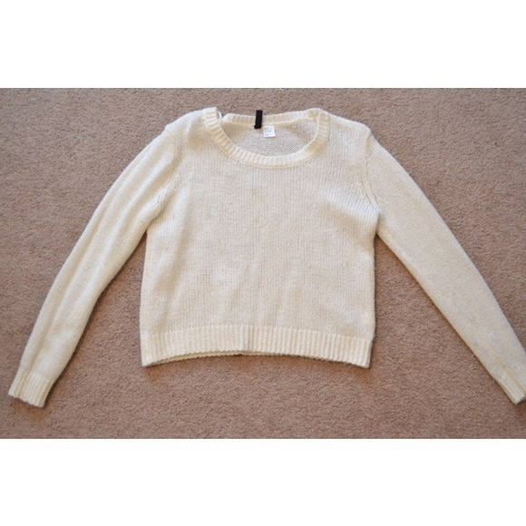 33% off H&M Sweaters - H&M Cropped Sweater in White from Kaela's ...