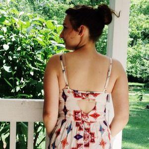 Dresses & Skirts - ⭕️Sold⭕️White Printed Sundress w/ Pockets