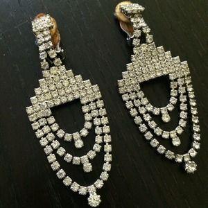 Jewelry - Vintage deco rhinestone chandelier clip on earring