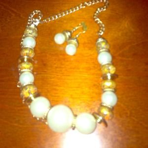 White and Gold Necklace And earring set