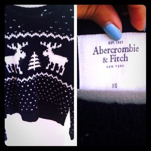 New Abercrombie Comfy Knitted Sweater; Long sleeve