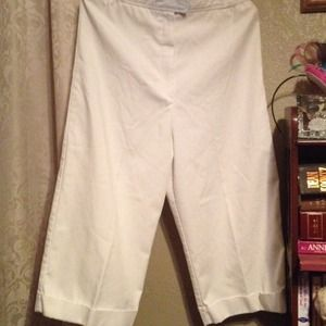 "Country Suburbans Pants - White Cuffed ""Pedal-Pushers"""