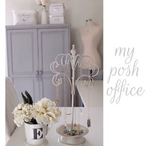 • My Posh Space •