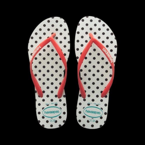 d2264ea07dd72 Good deal this brand of flip flops 10 per e SOLD