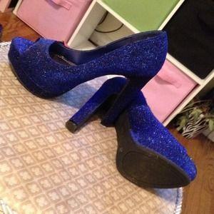 Shoes - Blue sparkled heels💙💙💙