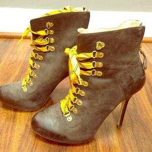 Boutique 9 gorgeous boots