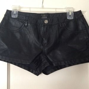 Pants - Leather shorts