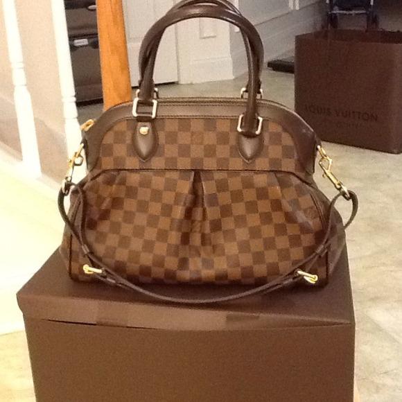 Louis Vuitton Bags Lv Purse Like New Still Got Receipt Dustbag