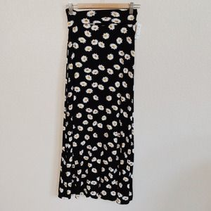 Dresses & Skirts - BUNDLED - Daisy Print Maxi Skirt