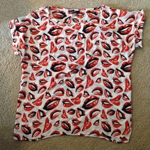 Nasty gal lip print oversized top. XL.