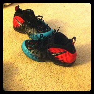 de70d59049c Nike Shoes - Spider man foamposites size 10.5