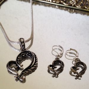 Jewelry - Stunning Silver Scrolled Heart Set