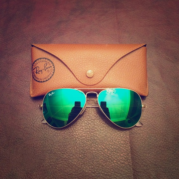 Ray-Ban Accessories - 😎Green mirror reflector sunglasses😎