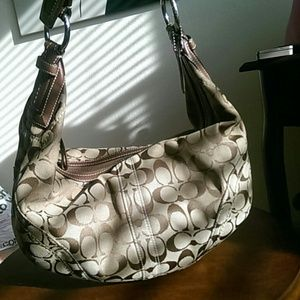 Coach Handbags - Signature coach hobo