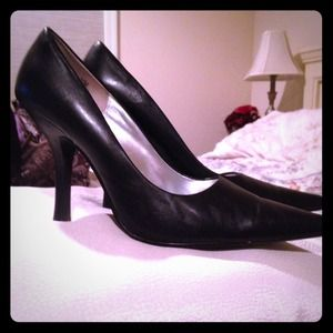 Chinese Laundry Black Heels Reduced!!!!!!!
