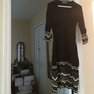 Stewart+Brown Dresses & Skirts - Stewart & Brown Chevron Black Merino Wool Dress