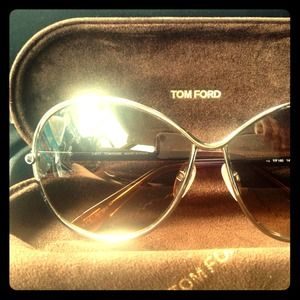 Tom Ford Iris Sunglasses Like New!