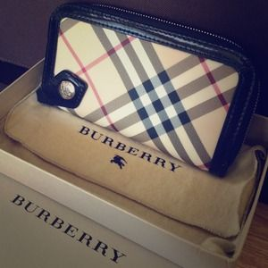 Authentic Burberry Zipper Wallet