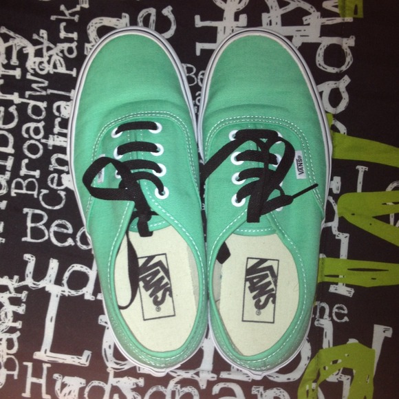 8806fef831 mint green vans with black laces. M 53a791dade4f2875a022dd70
