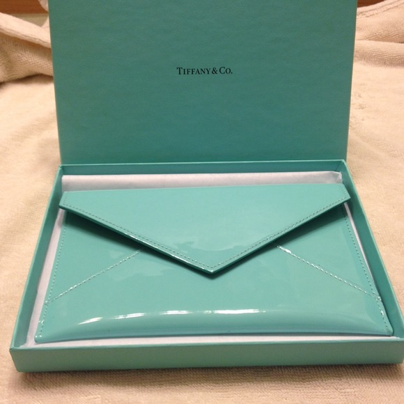 968a044335 New patent leather Tiffany and Co. Envelope. M_53a79d2c26620305b801e9a2