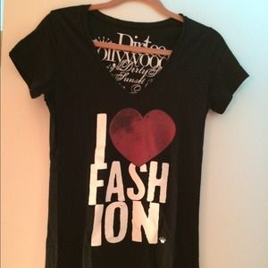 dirtee hollywood Tops - ✨REDUCED✨I Love Fashion V-neck T-shirt