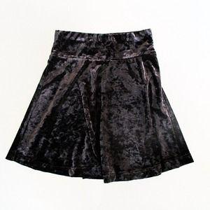 Forever 21 Dresses & Skirts - Black velvet skater skirt