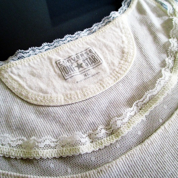 Converse Tops - Off white ribbed tank with lace detail
