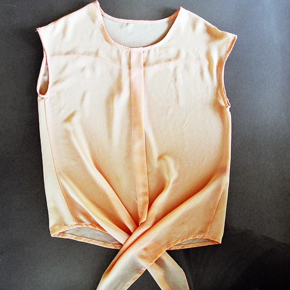 Oasap Tops - Peach tie-front blouse