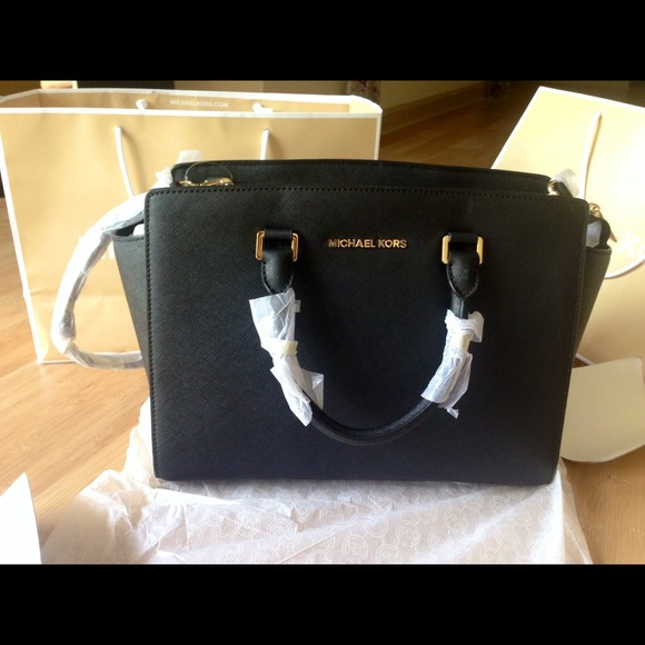 ... Handbags and Bags eBay Michael kors Selma ❌SOLD ON EBAY ... b028049eb044b
