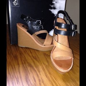 Brand new wedges by DV dolce vita.