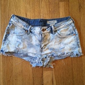 H&M denim distressed shorts
