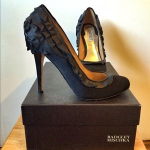 Badgley Mischka Black Ruffle Heels