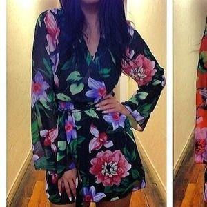Dresses & Skirts - Floral chiffon dress