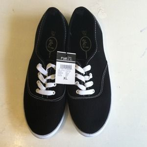 Brand New Rue 21 Vendor Style Shoes