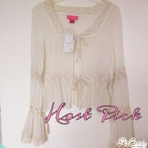 Betsey Johnson Tops - ‼️LAST CHANCE‼️💘 BETSY JOHNSON CREAM CHIFFON TOP