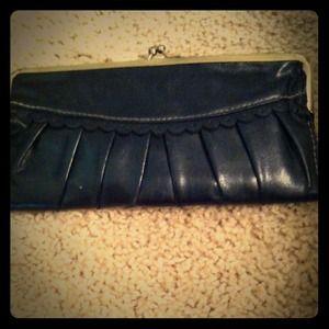 Lulu black wallet