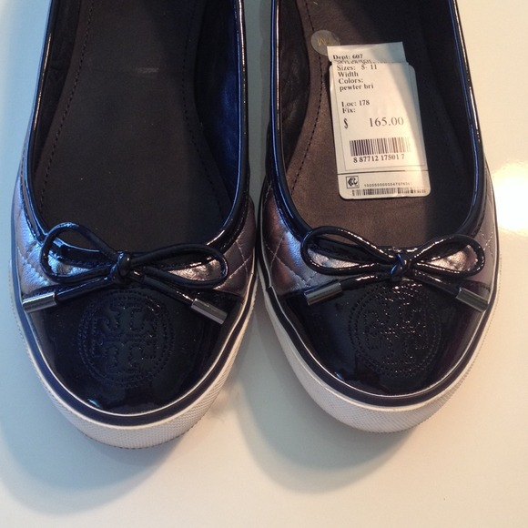 Tory Burch Shoes - Tory Burch Skyler Quilted Sneaker♦️REDUCED