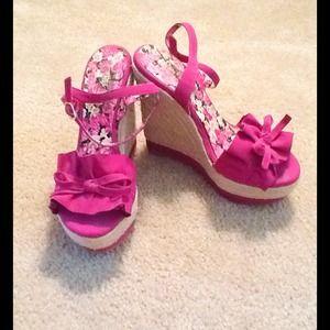 Shoe dazzle Bardot Fuchsia Wedge