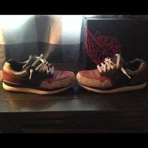 Nike Shoes -  <div class=
