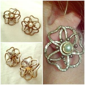 Handmade flower studs w/ pearl center