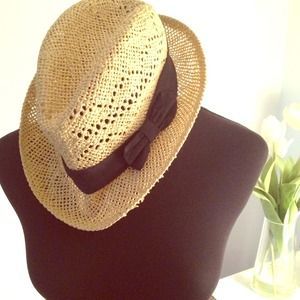 Straw hat from H&M in Italy