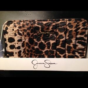 Clutches & Wallets - BNWT Jessica Simpson Leopard Wallet