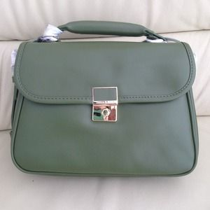 NEW Charles & Keith shoulder bag!