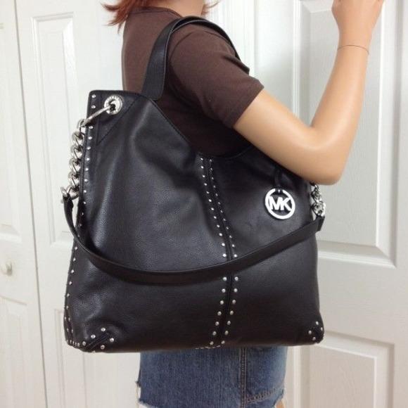 cdc8e5fc2a2d62 Michael Kors Bags | Large Astor Tote Shoulder Bag Black | Poshmark