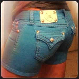 True blue Miss Me midi shorts w/💎 from the Buckle