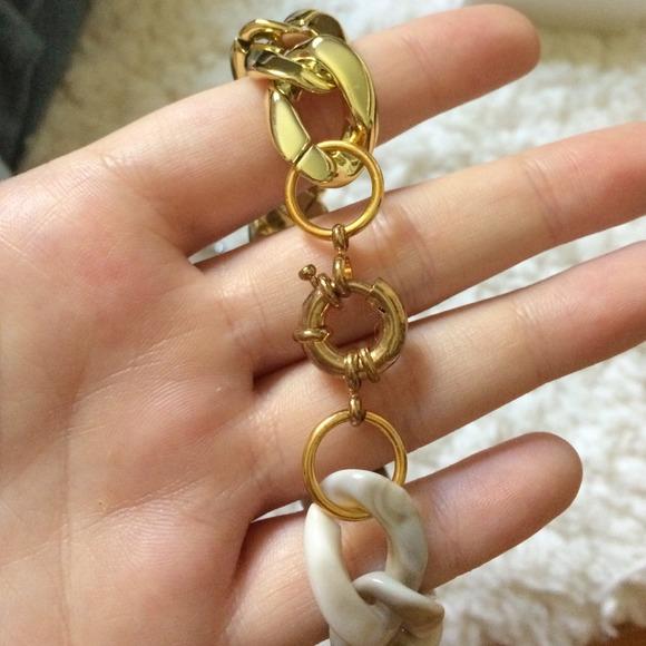 Jewelry - Acrylic Link Bracelet