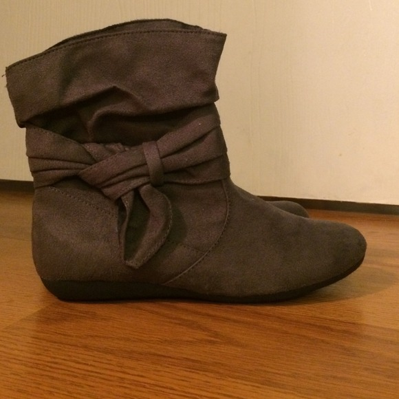 82 shoes kohls ankle boots from bailey s closet on