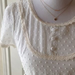 boutique. Dresses - NWT, ivory chiffon/lace. Adorable & fully lined