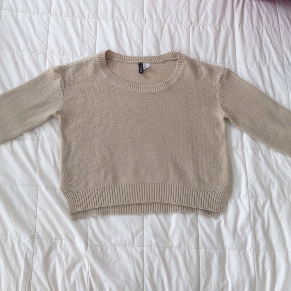 H&M - Beige cropped sweater from h&m from Bella's closet on Poshmark